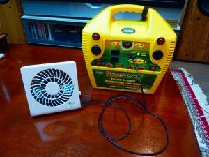 ポータブルバッテリーと扇風機