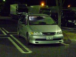 オデッセイRA1の車中泊シーン