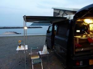 海辺の無料キャンプ場とKONG
