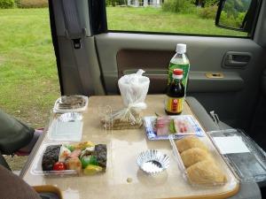 KONGの車内で朝食