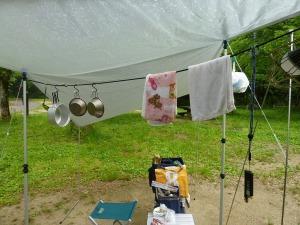 雨と洗濯物干し