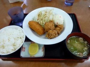 唐揚げクリームコロッケ定食500円