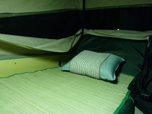 い草を敷いた二階の寝室_20120714