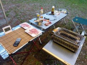 メインテーブルとサイドテーブル