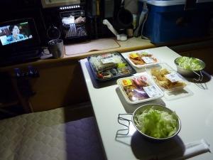 車中泊の夕食風景_20120915