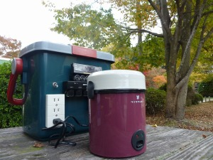 自作ポータブル電源と小型炊飯器