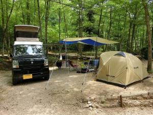 物置用に小型テントを設営_20130713