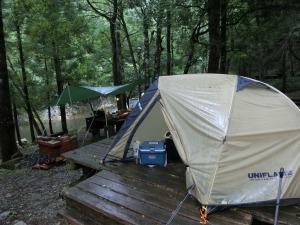 ずぶ濡れのテント_20130728