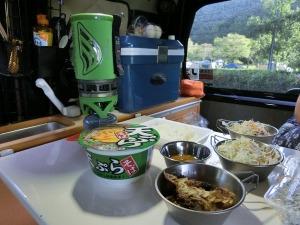 朝食は車内で。ジェットボイルも_20130916