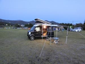 車中泊キャンプ態勢のKONG_20121012