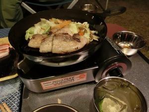 鹿児島産黒豚バラ肉を焼く_20131012