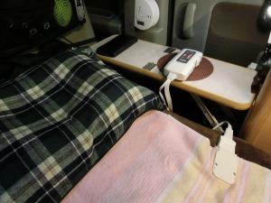 軽キャンの電気毛布そ敷いて_20140315