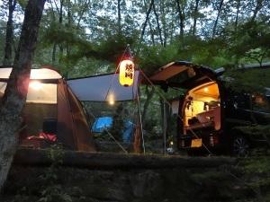 テキ屋のようなキャンプサイト_20140524