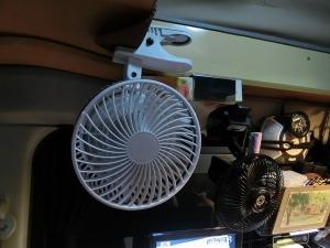 車中泊にDC扇風機_2_20140628