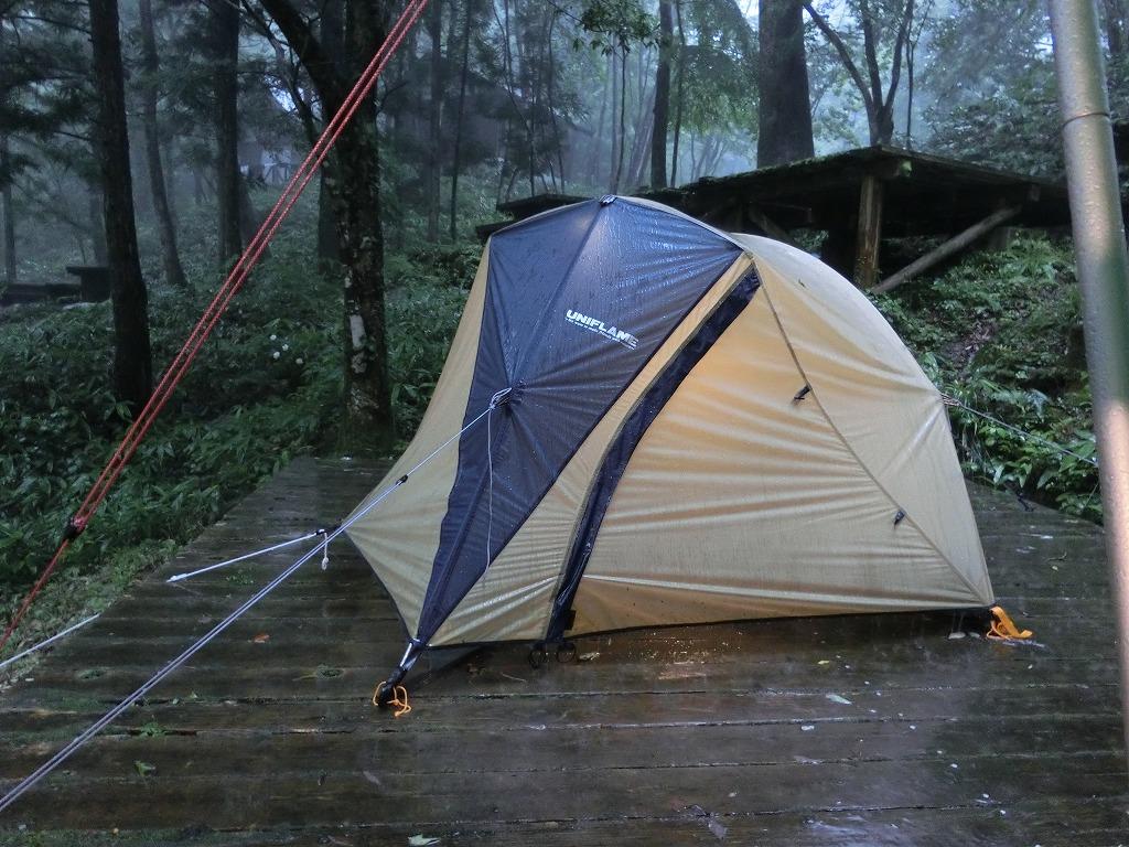 雨に打たれたテント_20140713