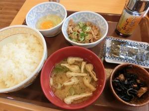 すき家で牛小鉢たまごかけごはん朝食_20140719