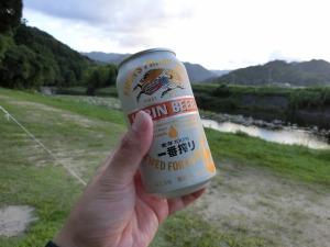 チェックインしたら缶ビールで乾杯_20140914