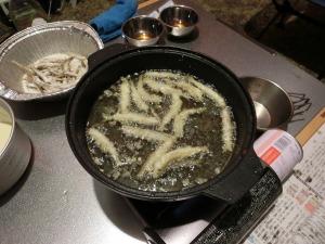 ワカサギの天ぷらを作る_20150321