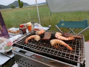 海老や肉も焼いて_20150613