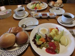 ペンションの朝食_1_20160403