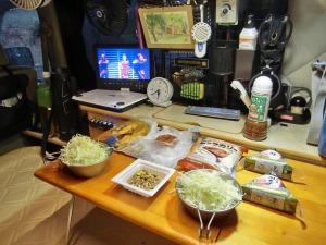 軽キャンの車内で朝食_20160619