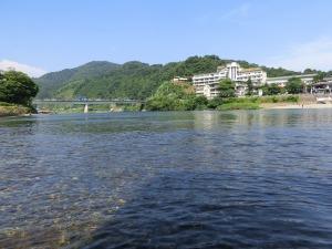錦帯橋下の河原で涼む_20160806