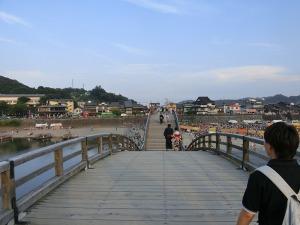 錦帯橋を渡る_20160806