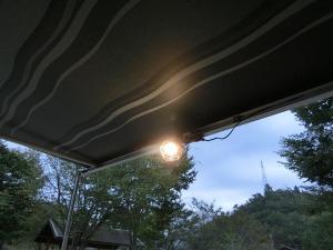 LED電球を点灯_20160903