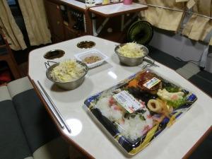 サラダと弁当_20160904