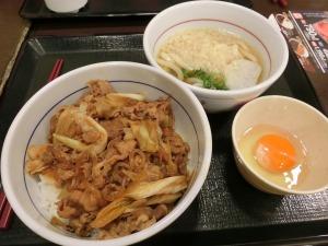 なか卯で和風牛丼とハイカラ小うどん_20160916