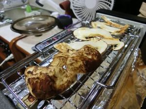 松茸を焼く_20161103