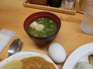 味噌汁とゆで卵_20161009