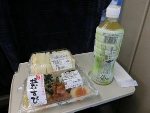 新幹線でお弁当_20161122