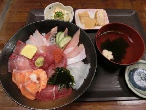 海鮮いづつの海鮮丼定食_980円_1_20161123