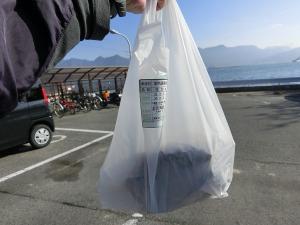 切串港で牡蠣を購入_20161203