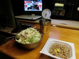 野菜サラダと納豆_20161223