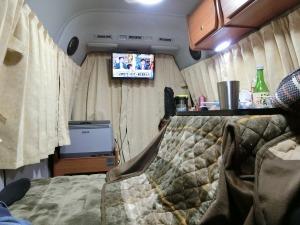 テレビを見ながら寛ぐ_20170311