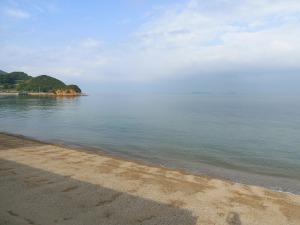 キャンプ場前の海_20170506