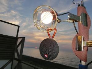 LED電球とスピーカー_20170520
